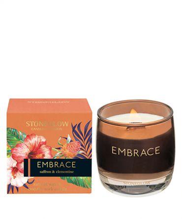 Луксозна ароматна свещ с дървен фитил в кутия за подарък с аромат на шафран и клементина