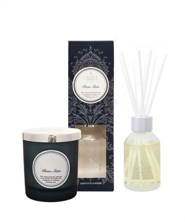 Комплект за подарък Clean Slate с аромат на лилия, жасмин и бяла роза.