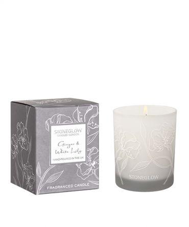 Ароматна свещ в стъклена чаша с аромат на джинджифил и бяла лилия