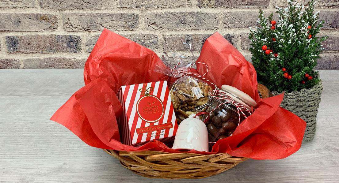10 Идеи за Коледна Кошница с подаръци